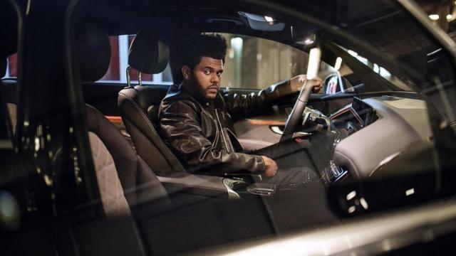 The Weeknd〈Blinding Lights〉賓士最洗腦神曲 (歌詞解析)【Billboard Hot 100】